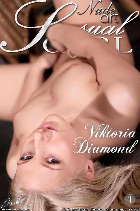 Viktoria Diamond - Viktoria Diamond blonde lust for pussy touch
